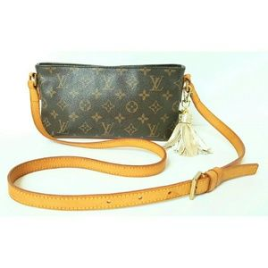 LOUIS VUITTON MONOGRAM TROTTEUR CROSSBODY BAG