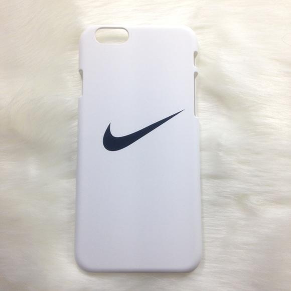 the latest a9da0 3ac45 CLEARANCE ✨ White Nike iPhone 5 5s SE case Boutique