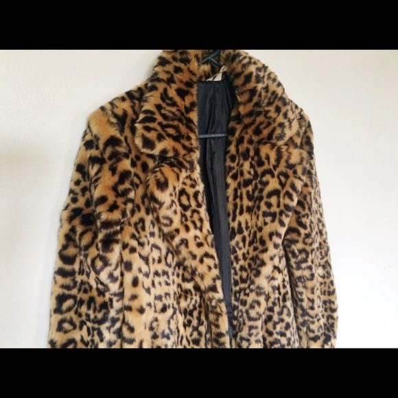 4416eb4201f3 Forever 21 Jackets & Blazers - Forever21 Exclusive Faux Leopard Fur Coat