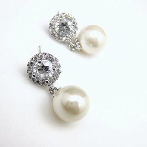 Bridal Wedding Earrings / Pearl & Cubic Zirconia