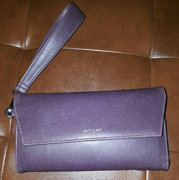 97fe755a4807 MATT & NAT Mercer Vintage Wallet/detachable wristl.  M_5745e2867f0a05111700a9f3