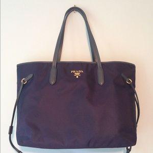 Prada Handbags - 🎉HP 9/5🎉❤️Authentic Prada Bag New❤️