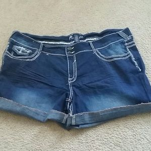 Ariya Pants - Amethyst shorts plus NWOT