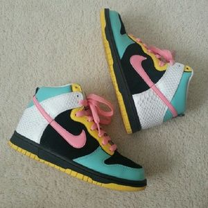 NIKE Dunks high top 6.0