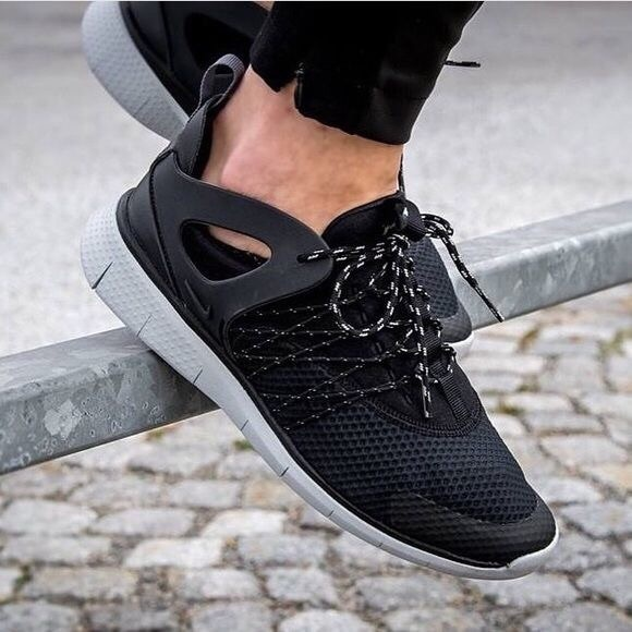 NIKE Free Viritous Running Shoes Black and Grey