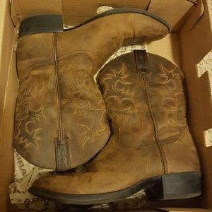 Ariat Shoes - Ariat distressed brown boots