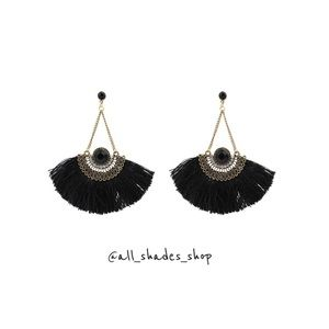 Vintage gold big fan fringe design earrings