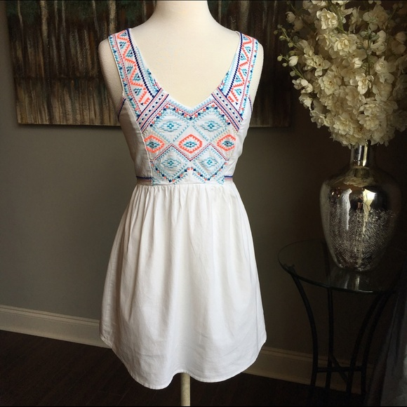 602fd3882c7 American Eagle Outfitters Dresses   Skirts - AEO White Embroidered Dress