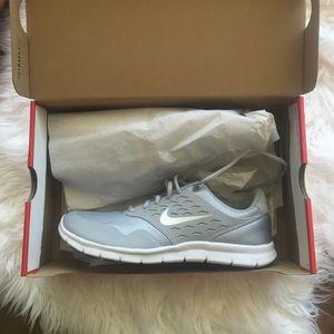 Nike Orive Sneakers