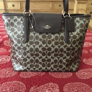 COACH SHOULDER BAG