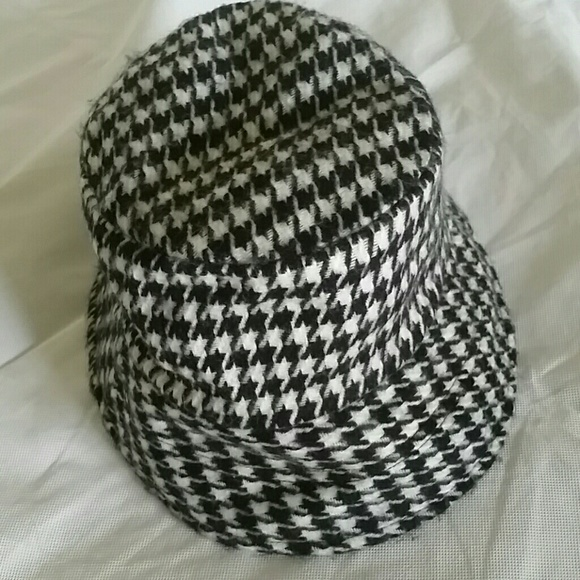 Accessories - Black and White Reversible Hat
