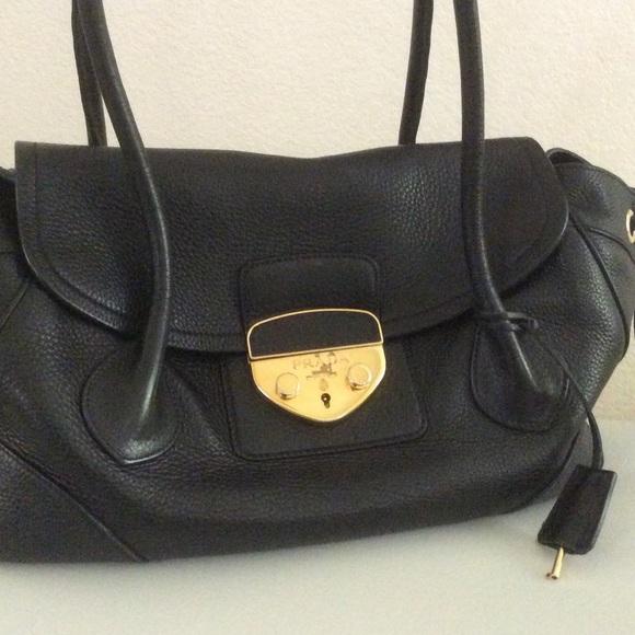 Prada Bags - ��MAKE AN OFFER�� VINTAGE PRADA HANDBAG