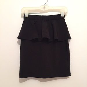 H&M Black Peplum Mini Skirt