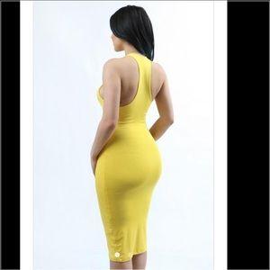 Dresses & Skirts - 🌼Yellow Bodycon Midi Dress 🌼