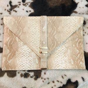 "Price⬇️⬇️ NEW ""Envelope"" Gold Clutch Purse"