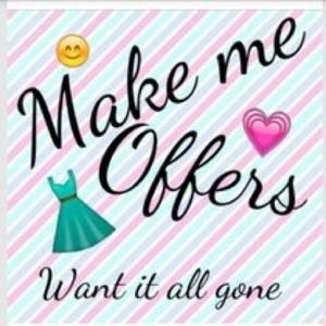 🎀👗🎀👛🎀Reasonable Offers Are Welcomed🎀👗🎀👛🎀