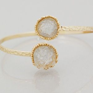 Jewelry - White faux Druzy gold bracelet