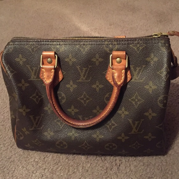 df30d3df428e Louis Vuitton Handbags - AUTHENTIC VINTAGE LV SPEEDY 25