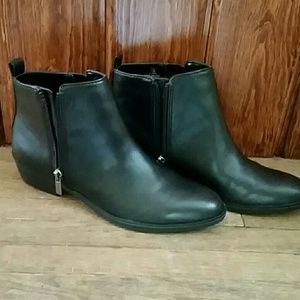 74d5ca9c3bf7a Chaps Shoes - **NWT** CHAPS SABRA WOMEN'S ZIPPER ANKLE BOOTS