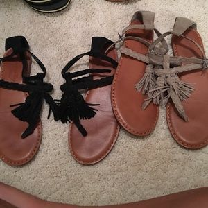 American eagle sandals. Black and grey