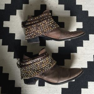 Modern Vice Shoes - MODERN VICE Convertible studded boots