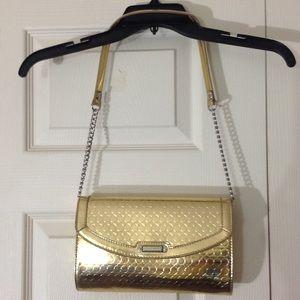 Nine West gold circle pattern shoulder-carry purse