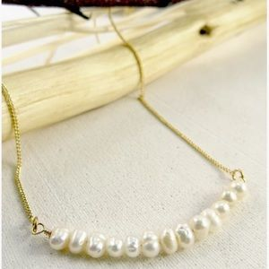 NWT Gold Pearl necklace