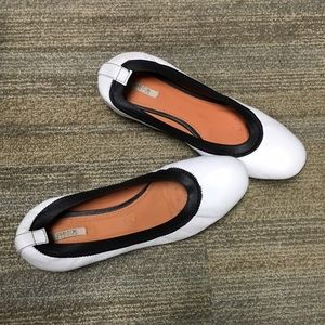 Geox Shoes - 🚨PRICE FIRM Geox White Ballet Flats