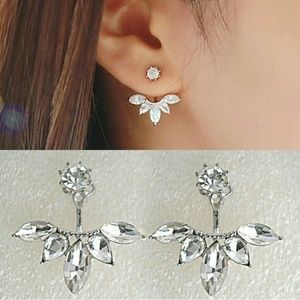 Jewelry - Elegant White Crystal Earrings NWOT