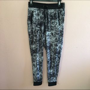 Willow & Clay Pants - Patterned Joggers