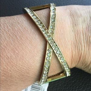 Jewelry - Golden Bangle