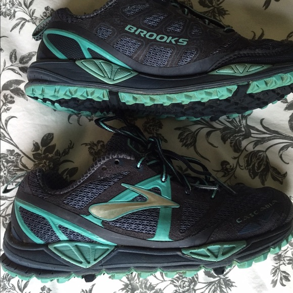 36aa9903575db Brooks Shoes - 🎉FINAL SALE PRICE❗️Brooks Cascadia Trail Runners6