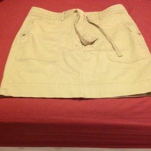 Banana Republic khaki skirt with zipper pockets