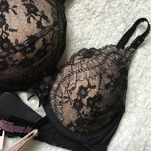 9848da4d7 Victoria s Secret Intimates   Sleepwear - BRA - UK designer collection -  black and gold lace