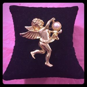 Beautiful Vintage Angel w/ Pearl Pin