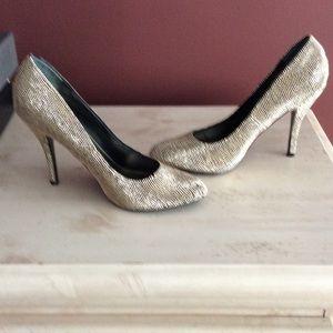 Nina Ricci Shoes - Nina Gold Pumps. US size 10