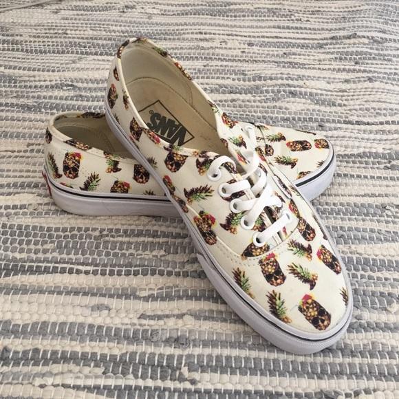 75c2352f82 Vans Authentic Pineapple Sneaker. M 574a13cf2de5120a290295e5