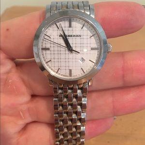  Authentic Women's Burberry Watch
