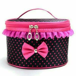 Accessories - 💟💖 Travel Cosmetic bag /toiletry organizer