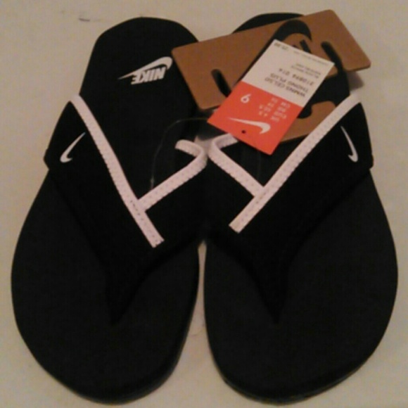 WOMEN'S BLACK NIKE CELSO THONG PLUS SANDALS