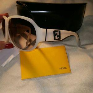 FENDI Accessories - BNWT.. Fendi White w/Black matte Logo sunglasses.