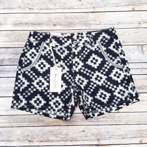 MOVING SALE  Two by Vince Camuto Printed Shorts