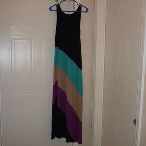 Spense Dresses & Skirts - $4 maxi dress