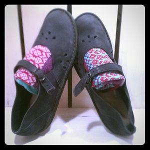 Shoes - Adorable blueblack handmade Artisan Moccasins