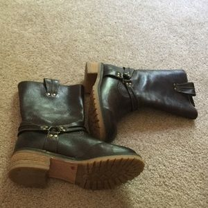 Sbicca Shoes - Sbicca Vintage Brown Leather Boots