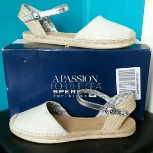 "Sperry Top-Sider Shoes - NIB Sperry Topsider ""Hope"" Silver Sparkle"