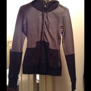 lululemon athletica Jackets & Coats - Two-toned lulu jacket.