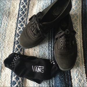 Black Low Skater Vans Size 5/6.5