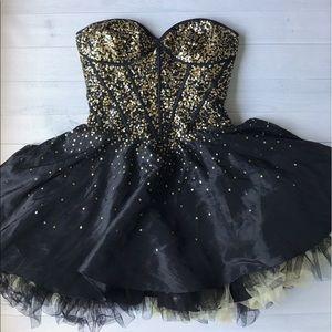 Sherri Hill Dresses & Skirts - Strapless Sequin Prom Dress