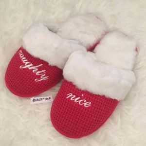❌SOLD❌ Victoria's Secret Holiday Slippers